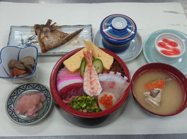 『末広寿司 ランチメニュー』の画像