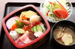 『すし兼時間限定海鮮丼』の画像