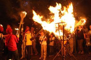 『かったて祭2松明点火』の画像