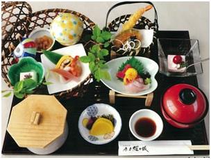 『『茶力経ヶ坂桜川支店竹かご弁当』の画像』の画像